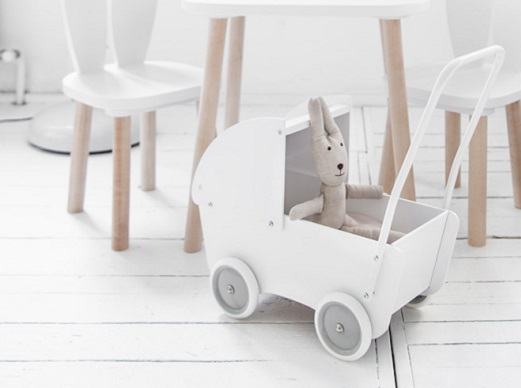 Houten poppenwagen wit