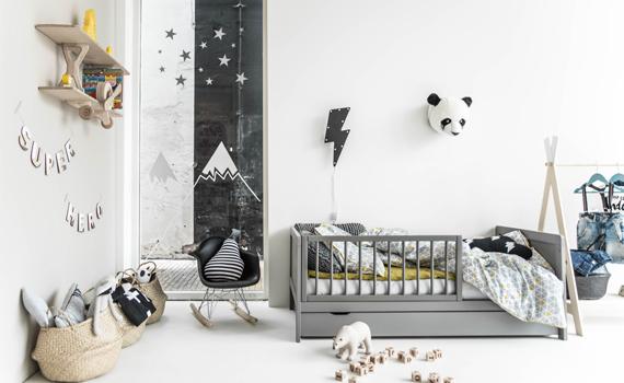 stoere-jongenskamer-thema-avontuur-natuur-grijs-kinderbed