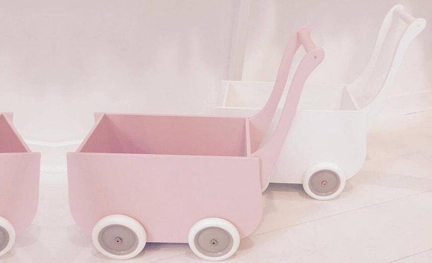 Geschiedenis van de houten poppenwagens | Petite Amélie